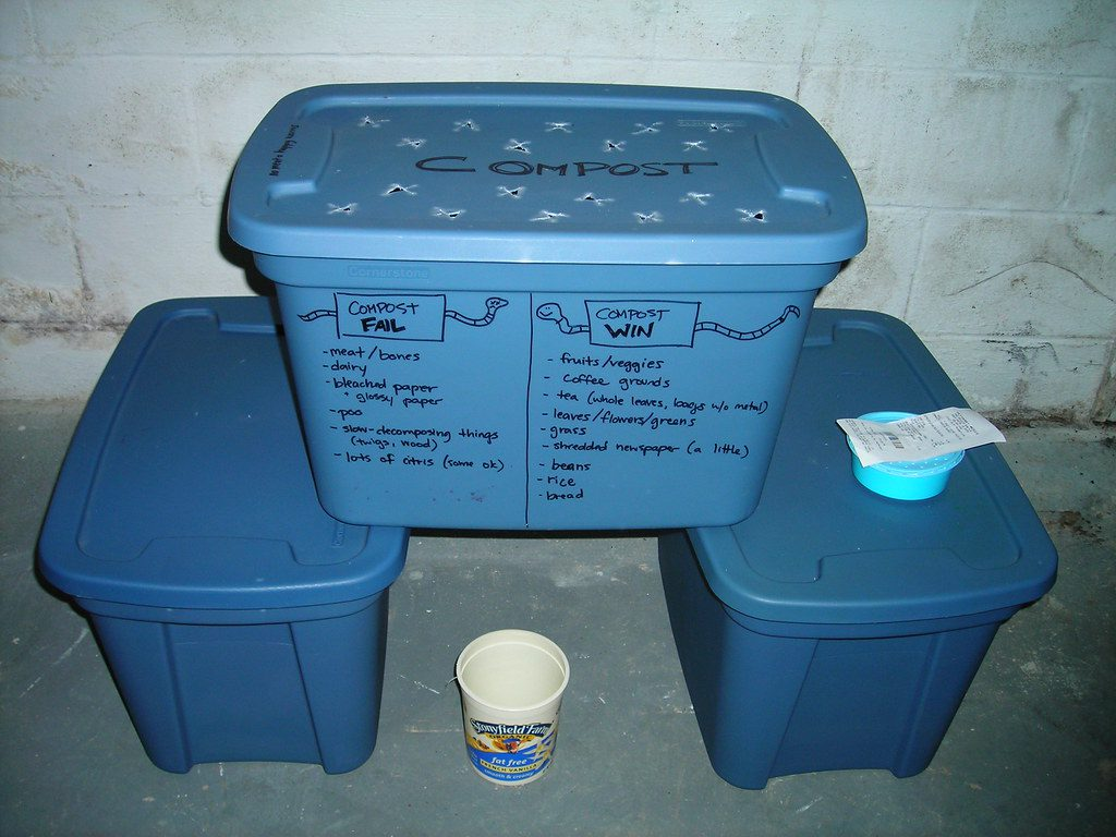 how to grow own worms bin vermicomposting